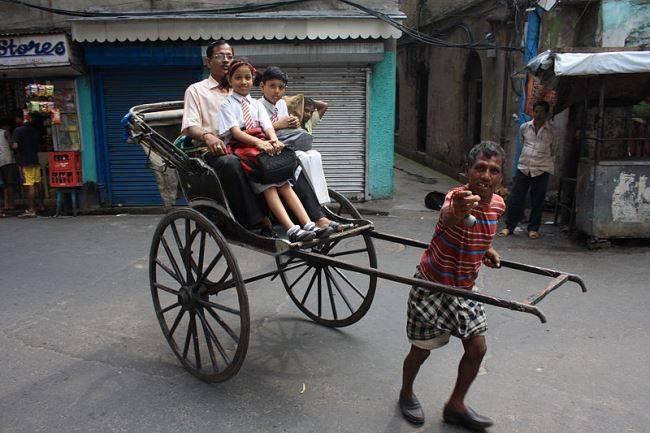 hand pulled rickshaw kolkata