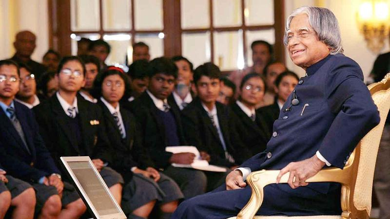 A P J Abdul Kalam Addressing Students