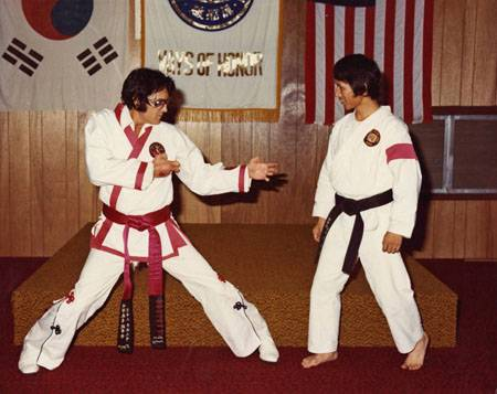 Elvis doing_karate