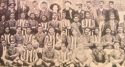 Mahatma Gandhi In Football Team In 1913