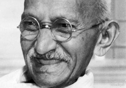 Mahatma_Gandhi,_close-up_portrait