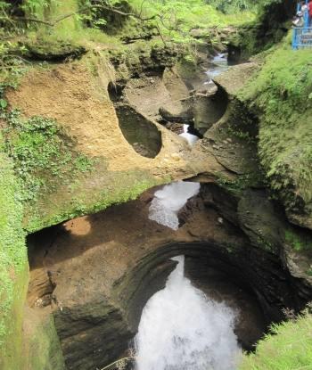 Davis Falls Pokhara