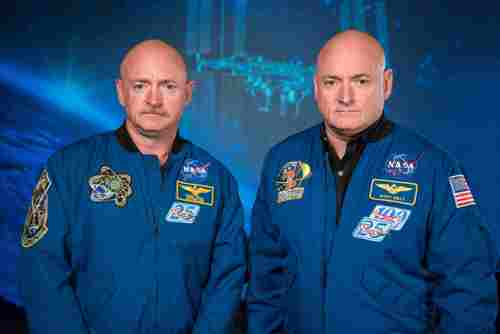 Mark and Scott Kelly at the Johnson Space Center, Houston Texas