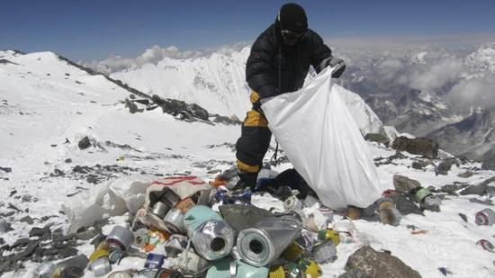 Mount Everest garbage