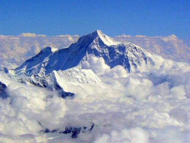 Mount Everest growing taller