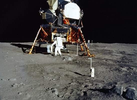 Apollo 11 1998
