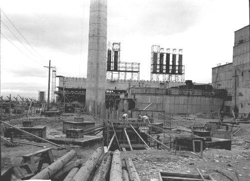 Hanford B reactor construction