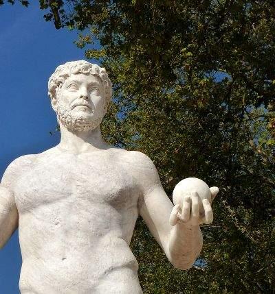 Ouranos, statue