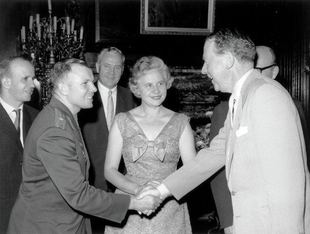 Queen Elizabeth II with Yuri Gagarin