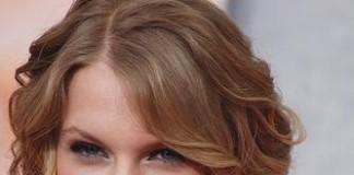 Taylor Swift Apr 09