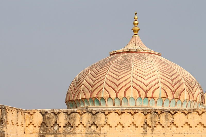 800px-Amber_Fort-1-compressed