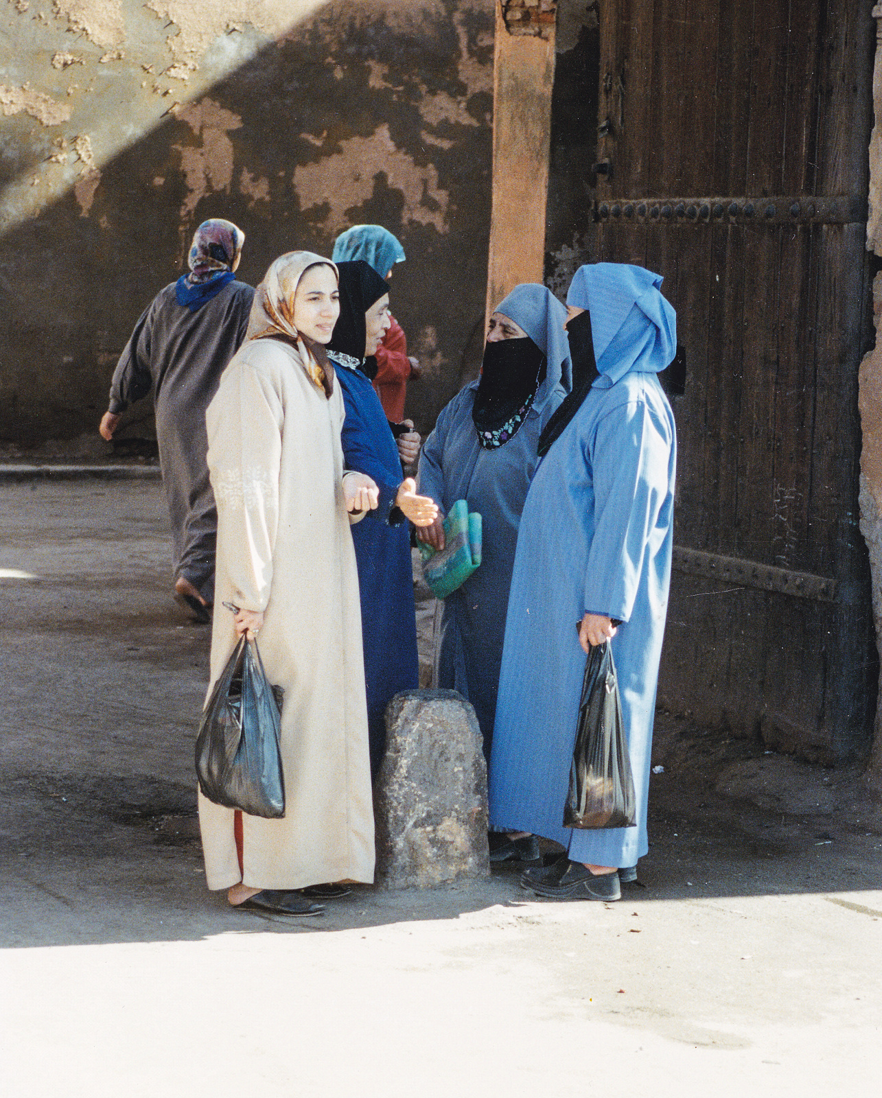 In_Morocco_have_lot_of_women_head_scarves_and_veils