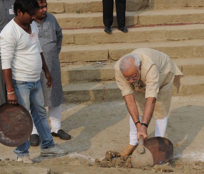 Modi and clenaliness