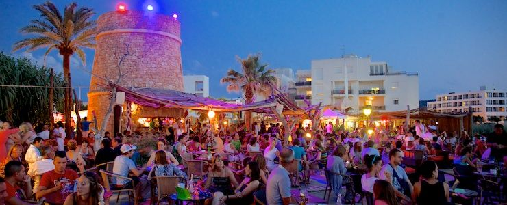 Wax-Da-Beach-at-Kumharas-EssentialIbiza-Nic_Click-Ibiza-2013-feature-compressed
