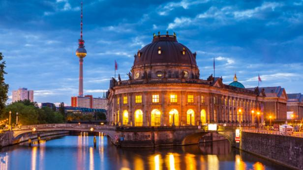 germany-city-tour-berlin.rend.tccom.616.347