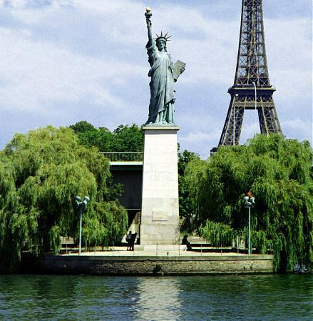 paris statue of liberty