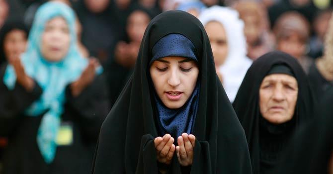 iraq_eid_prayer_shia_woman_ap_1_670