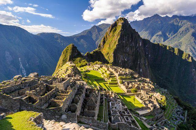 Huayna Picchu in front of Machu Picchu, Peru