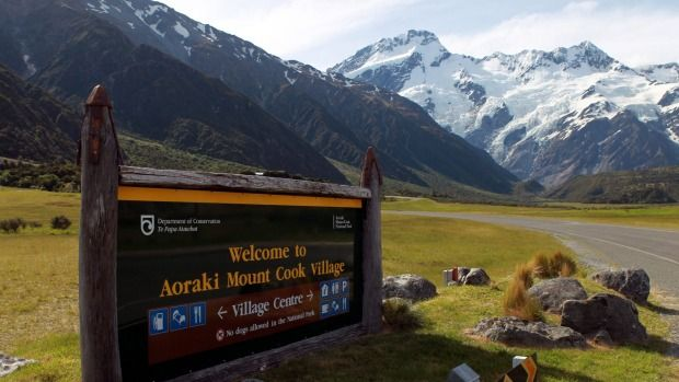 Way to Mount Cook Village