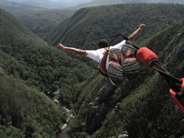 Adventure bungee jump bloukrans bridge, South Africa