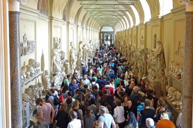 Crowded Vatican Museum