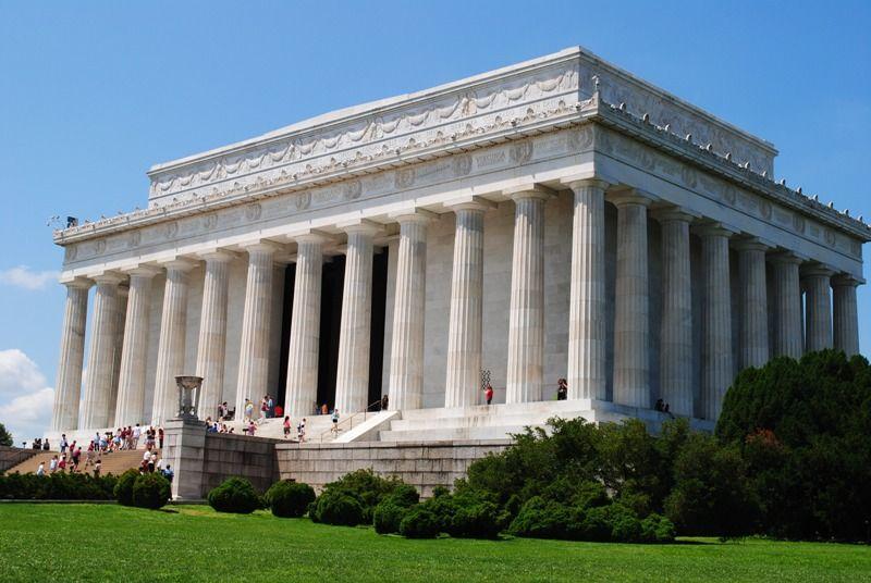 Columns of Memorial