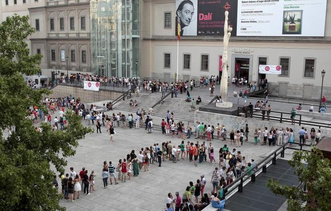 Visitors at Reina Sofia