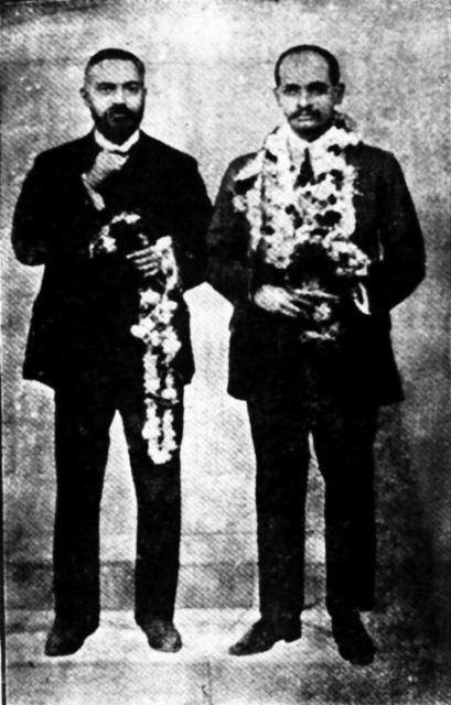 Sardar Patel (right) with his brother Vittalbhai Patel (Left)