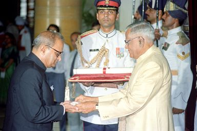 Vipin Dayalbhai Patel (Grandson of Sardar Patel) receiving Bharat Ratna for his grandfather