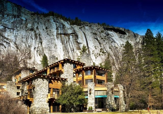 Main facade of Ahwahnee Hotel, Yosemite