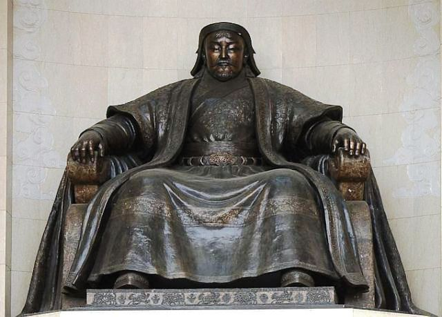 Sculpture of Kublai Khan