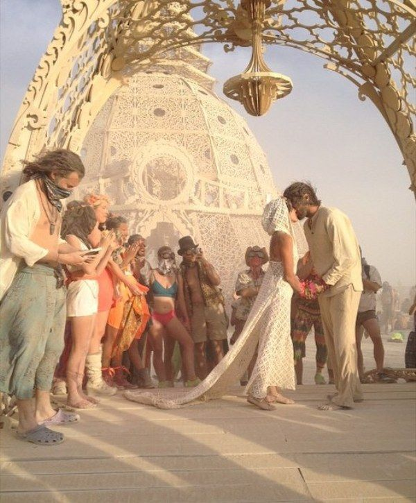 marrying at burning man